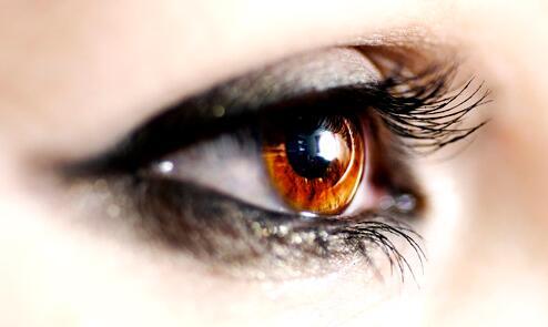 双眼皮割得越宽眼睛显得越大吗?