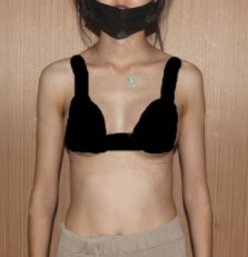 """复合隆胸术后女人""""胸""""起来了"""